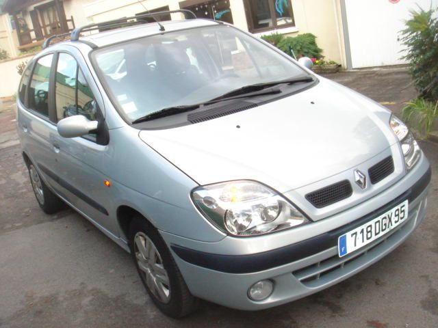 RENAULT Scenic 1.6 16v 110ch Expression 91992km